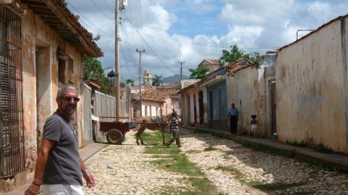 Mi papa en una calle de Trinidad