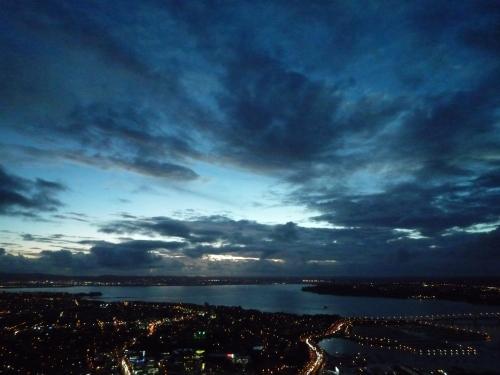Anochecer en Auckland desde la Sky Tower